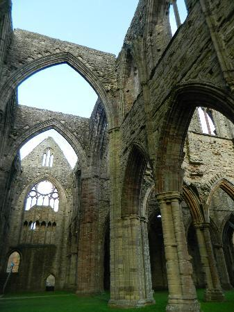 Chepstow, UK: Tintern Abbey