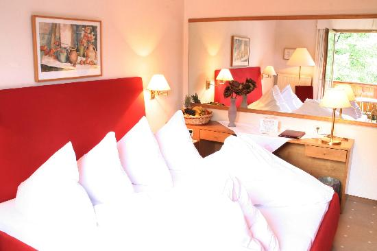 Hotel Furian am Wolfgangsee: double rooms with marblebath and balcony