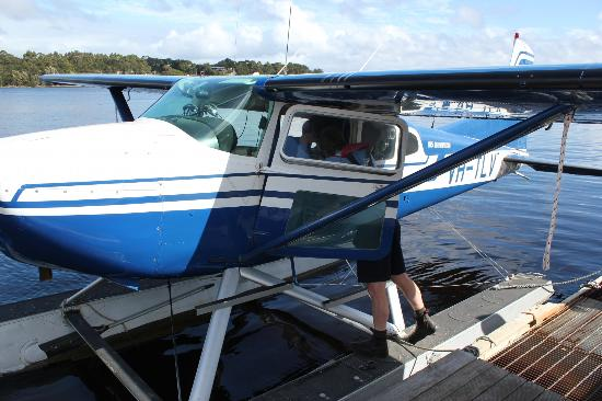Strahan Seaplanes and Helicopters