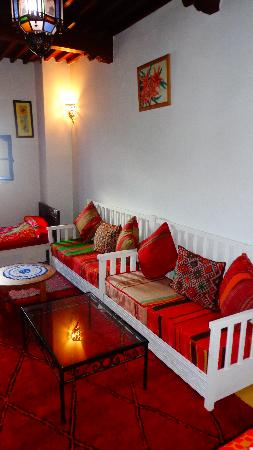 Riad Dar Afram: Red Carpet Room Lounge