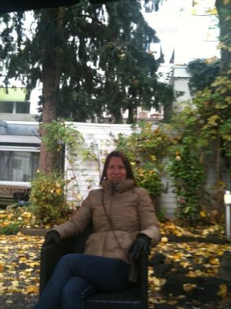 Hotel Europa 92: sitting in the garden!