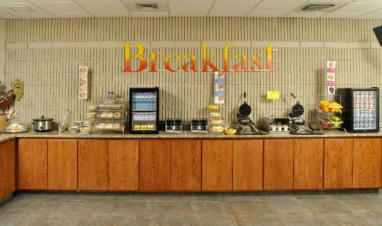 BEST WESTERN PLUS University Inn: Complimentary Hot Guest Breakfast (served 6am-9am daily)
