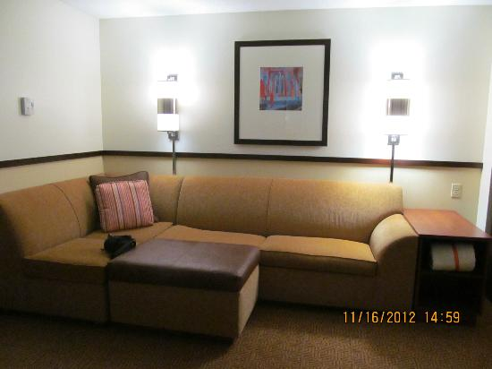 Hyatt Place Fort Myers at The Forum: Couch sitting area