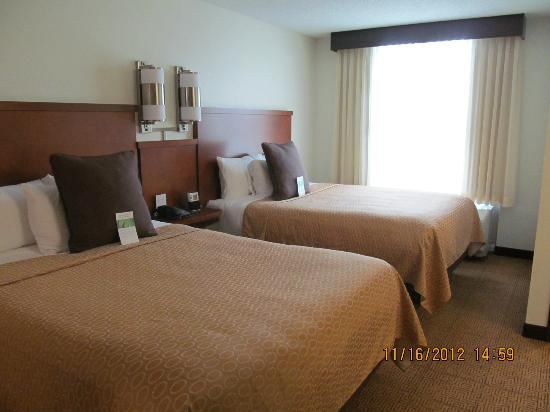 Hyatt Place Fort Myers at The Forum: Beds