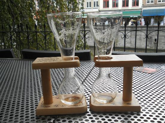 Hotel Ter Brughe: Critical utensils at The Beer Wall in Wollestraat