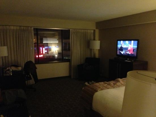 Hyatt Regency Louisville: room