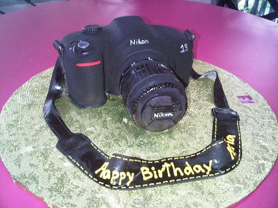 Nikon camera cake picture of sweets cake shoppe san for Https pedro camera it
