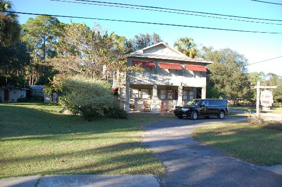 Inglis, Флорида: Pine Lodge