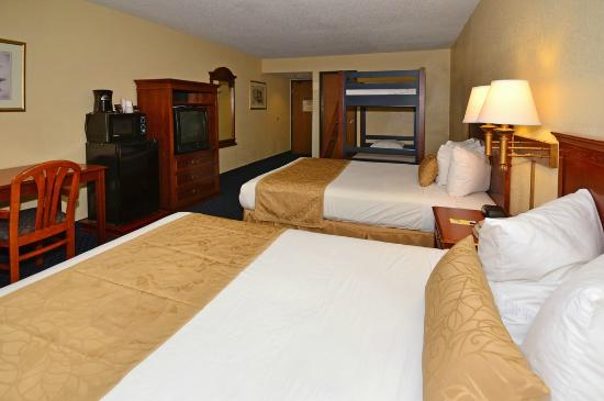 Super 8 I-40 Flagstaff Mall: Kids Friendly Suite