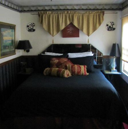 Cliff House Lodge and Hot Tub Cottages: Peking Palace