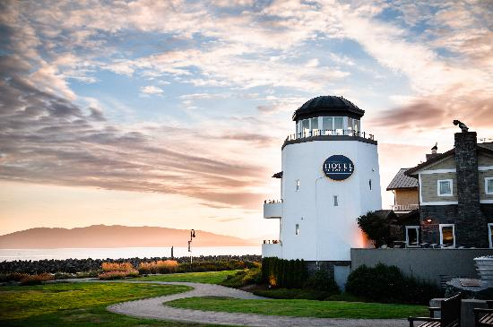 Hotel Bellwether: Lighthouse at Sunset