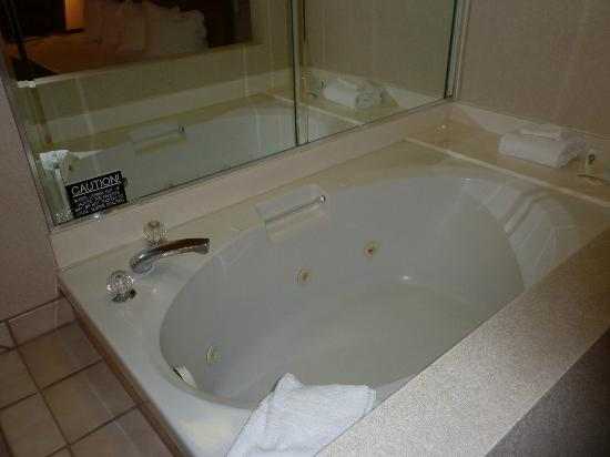 Quality Inn & Suites: In room Jacuzzi tub for one...