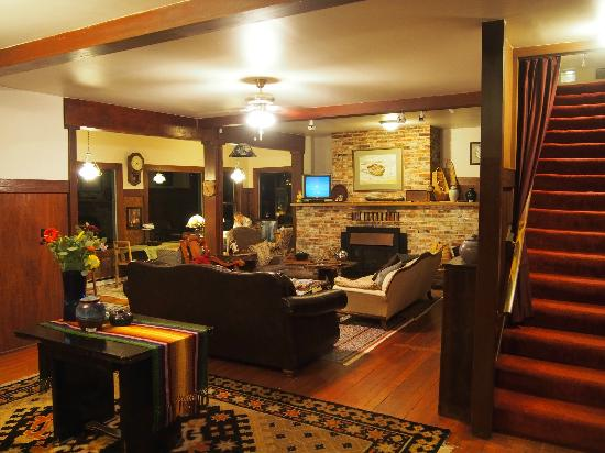 Historic Requa Inn: Cosy guest lounge