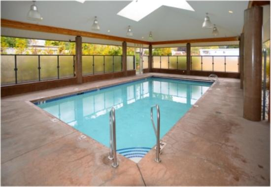 The Hospitality Inn: Salt Water Pool