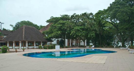 Bolgatty Palace: Swimming pool