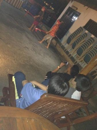 Tasik Ria Resort Manado: watching performance on a Friday night seafood BBQ
