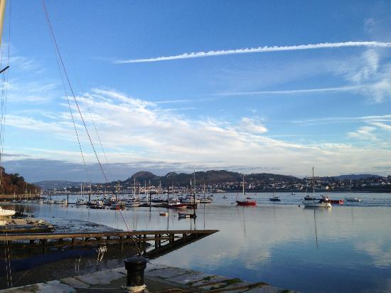Castle Hotel: Conwy harbour