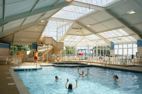 Outdoor decking area at parkdean torquay holiday park - Hotel in torquay with indoor swimming pool ...