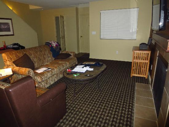 WorldMark Bass Lake: living room area