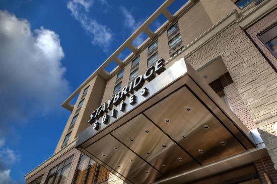 ‪Staybridge Suites Hamilton - Downtown‬