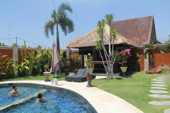 Bali Alizee Villas: Jardin &amp; piscine villa Carpe Diem (pour 8 personnes)