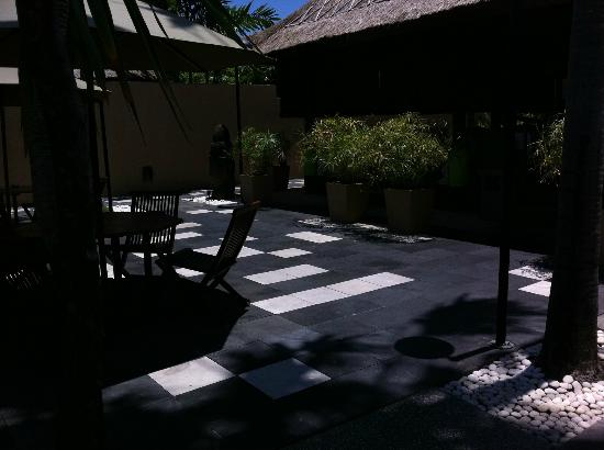 Mutiara Bali Boutique Resort & Villas: The entrance to the dining room
