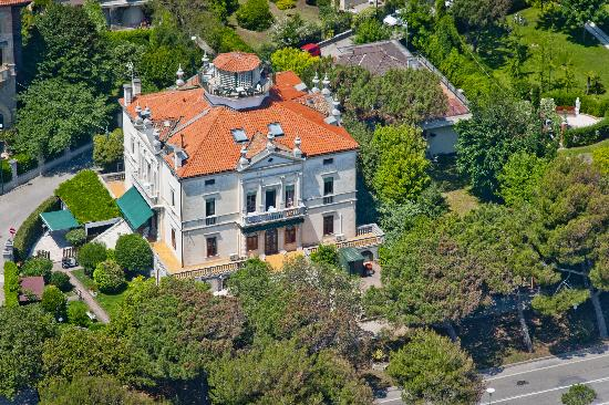 Villa Gabriella B&B Apartments - Air View