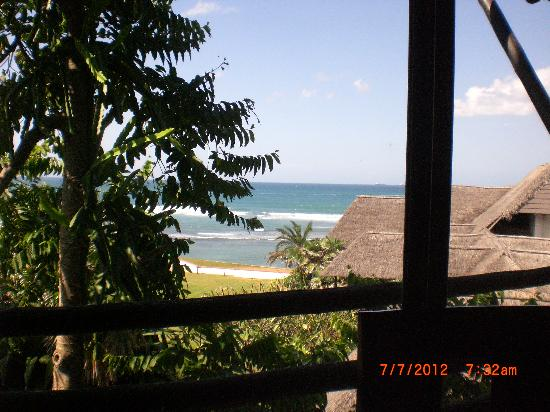 Sea Cliff Hotel: the Indian Ocean from my window