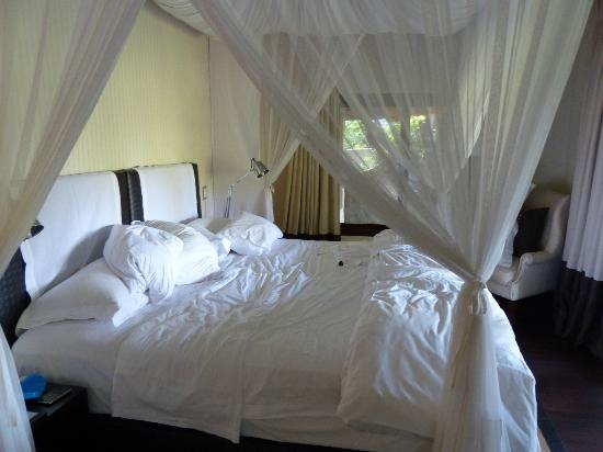 Londolozi Tree Camp: Our bedroom in the suite