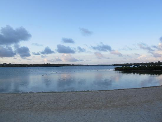 Four Seasons Resort Mauritius at Anahita: Sunrise 3