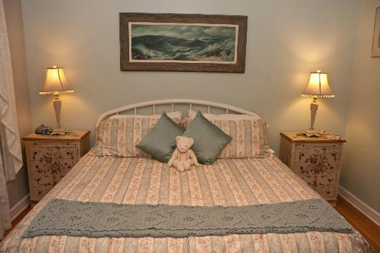 Edwin K Bed and Breakfast : The Indian Summer Bedroom