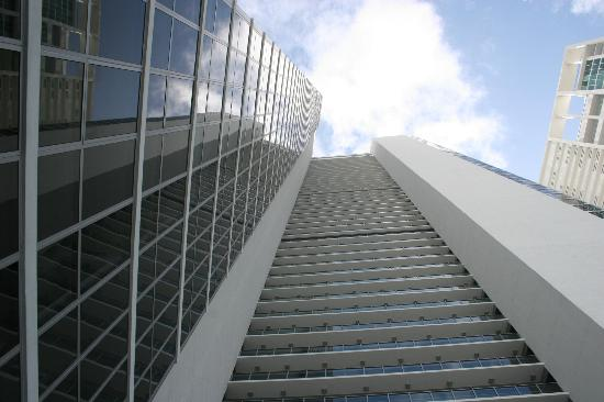 Casa Moderna Miami: High