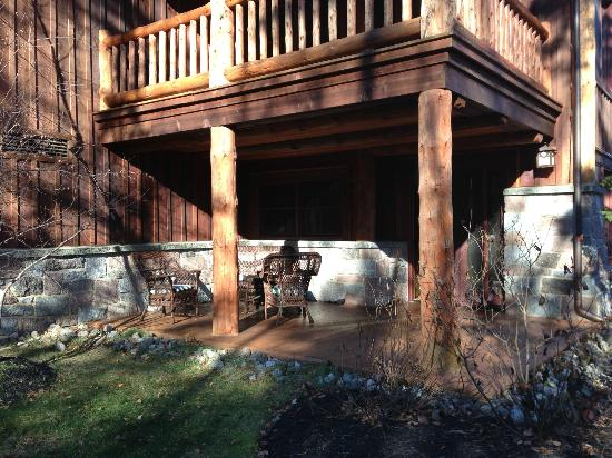 The Whiteface Lodge: Sweet suite patio area