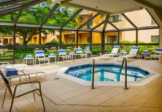Courtyard by Marriott Andover: Indoor Spa