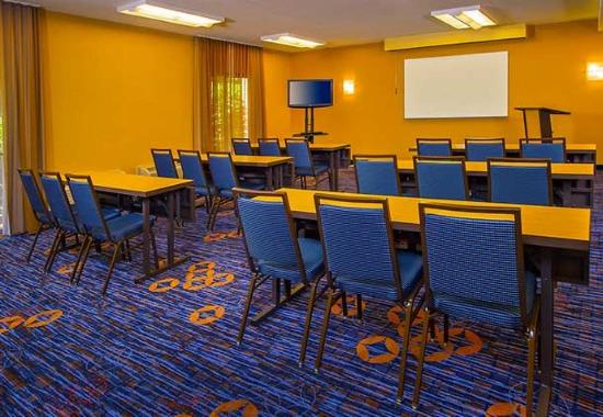 Courtyard by Marriott Andover: Meeting Room