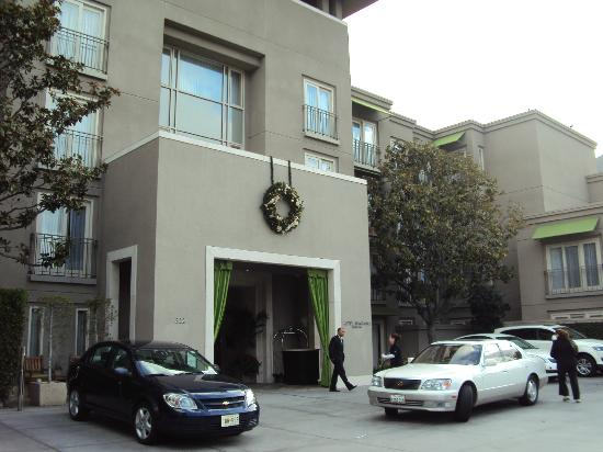 Hotel Amarano Burbank: Frente do Hotel
