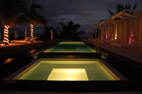 Blue Diamond Riviera Maya by BlueBay: Infinity Pool