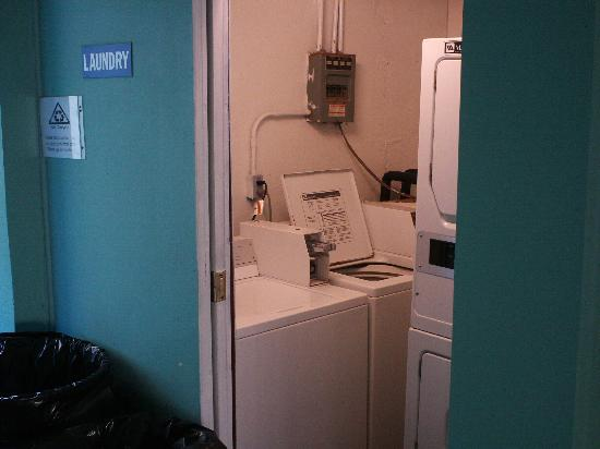 Beach Club at Montego Inn: laundry room on 4th floor