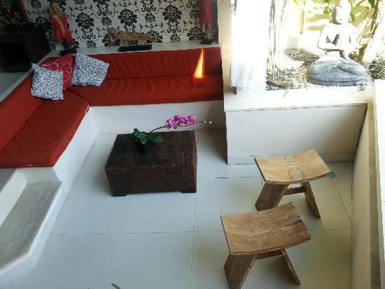 Enigma Bali Villas: sofa not very comfortable and full of insects