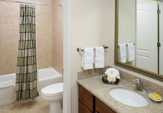 Residence Inn Tucson Airport: Guest Bathroom