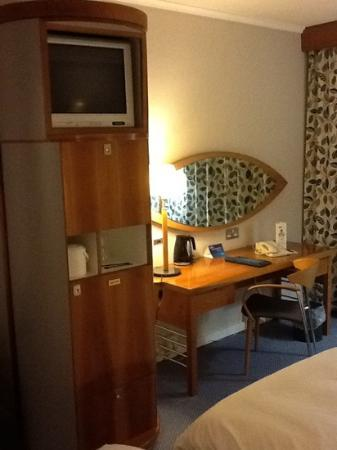 Radisson Blu Hotel, Manchester Airport: Coffee and TV pod
