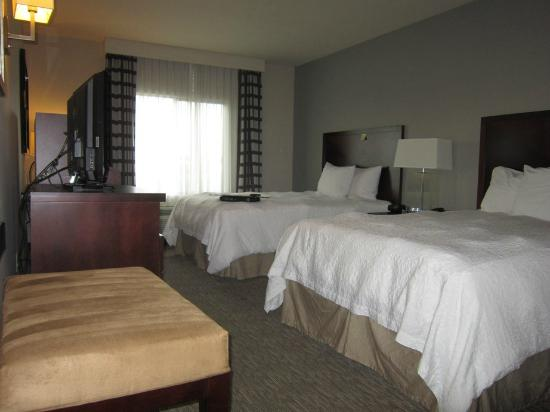 Hampton Inn Carlsbad-North San Diego County: beds-2 queen