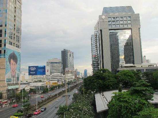 Chaydon Bangkok: View of Sathorn Road from the roof