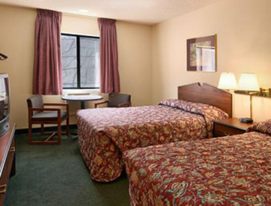 Super 8 Dillon/Breckenridge: Standard Two Double Bed Room