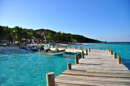 Bananarama Beach and Dive Resort: West Bay water taxi dock