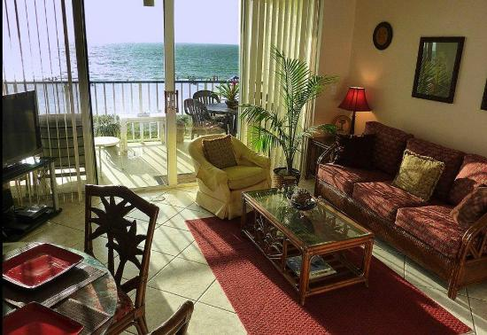 Apollo Condominiums: Apollo 306 Living Room with Queen Sofa bed and beach view