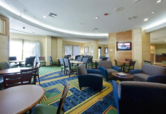 SpringHill Suites Tampa Brandon: Breakfast Area