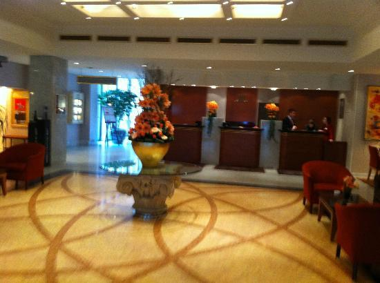 Hotel Le Royal Luxembourg: Lobby