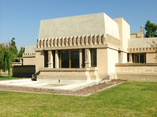 Hollyhock house picture of hollyhock house los angeles for Hollyhock house