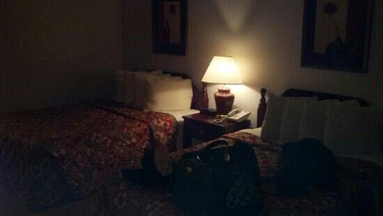 Howard Johnson Hotel - Branson: our room